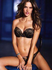 """Ambrosio merupakan model Brasil berdarah Polandia serta Italia. Dirinya populer berkat karyanya di Victoria Secret & terpilih sebagai spokesmodel pertama untuk perusahaan """"PINK"""". Saat ini Ambrosio adalah salah satu Victoria's Secret An......"""
