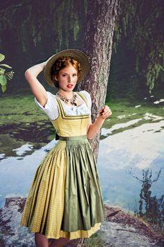 #Farbbberatung #Stilberatung #Farbenreich mit www.farben-reich.com Lena Hoschek tradition Dirndl Sonja