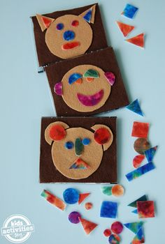 Teach your kids their shapes with a funny face game (made from felt - printable included on the site).  Inspired Kneebouncers