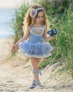 "Old Classic Photography στο Instagram: ""China Doll tutu by @dollcakevintage #dollcakevintage , #dollcake , #kidsphotography , #kidsmodels , #littleprincess , #littlefashionista ,…"" Fairy Costume For Girl, Girl Costumes, Little Girl Outfits, Cute Girl Outfits, Girls Dress Up, Baby Dress, Little Girl Photography, Classic Photography, Dollcake Dresses"
