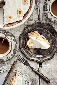No-bake Vegan Peanut Butter Banoffi Pie {grain free, gluten free, refined sugar free}