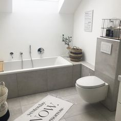 Image may contain: Interior - Badezimmer - Bathroom Decor Home Decor Signs, Cheap Home Decor, Small Bathroom, Master Bathroom, Bathroom Ideas, Guest Toilet, My New Room, Bathroom Inspiration, Interior Inspiration