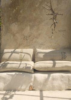 63 ideas exterior home colors beige Wabi Sabi, Outdoor Spaces, Outdoor Living, Outdoor Seating, Garden Seating, Moraira, Italian Summer, Italian Patio, Tadelakt