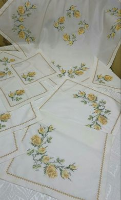 Istanbul, Shabby Chic, Cross Stitch, Quilts, Blanket, Towels, Farmhouse Rugs, Tablecloths, Needlepoint