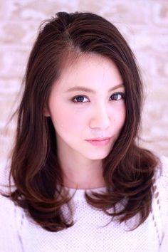 ミディアムレイヤー | pas de deux 表参道ヒルズ店(パドドゥ)のヘアスタイル・髪型・ヘアカタログ - 楽天ビューティ