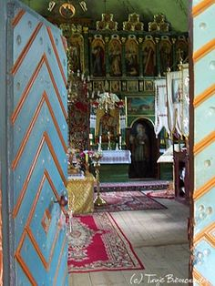 Cerkiew Komańcza - wejście z przedsionka