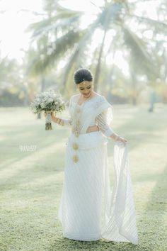 Sri Lankan Wedding Saree, Sri Lankan Bride, Saree Wedding, Wedding Bride, Bridesmade Dresses, Bridal Dresses, Srilankan Wedding, Bridesmaid Saree, Asian Wedding Dress