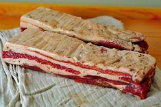 Vyrobte si domácu slaninku bez údenia (pancetta) » Prakticky.sk Salty Foods, Smoking Meat, Food 52, Sauce, Bacon, Grilling, Sandwiches, Food And Drink, Menu