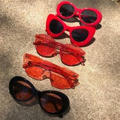 sunglasses discovered by ✿❀𝓪𝓭𝓮𝓵𝔂𝓪❀✿ on We Heart It Cat Eye Sunglasses, Sunglasses Women, Vintage Sunglasses, Popular Sunglasses, Jewelry Accessories, Fashion Accessories, Cute Glasses, Glasses Frames, Trending Sunglasses