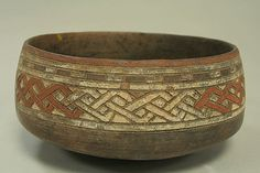 Incised Painted Bowl.  Paracas culture Peru, Ica Valley, 5th-3rd century BCE.  It reminds me of Celtic knotwork.