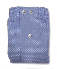 Boxer Kiff-kiff de tela de corte clásico en algodón-popelín con TOPITOS en blanco con fondo en azul celeste. Con CORTE AMERICANO, sin la incomoda costura central.