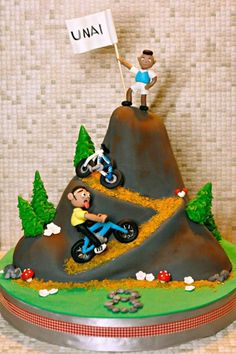 mountain bike cake - Cake by Vanessa Rodríguez Bmx Cake, Bike Cakes, Mountain Bike Cake, Mountain Biking, Moutain Bike, Beautiful Cakes, Amazing Cakes, Fondant, Bmx Bikes For Sale