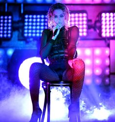 How to chair-dance like Beyonce at the Grammys