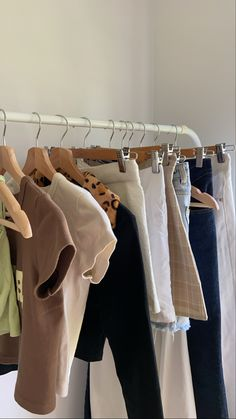 Modest Outfits, Girl Outfits, Fashion Outfits, 7th Grade Outfits, Estilo Blogger, Aesthetic Room Decor, Dream Bedroom, Wardrobe Rack, Photography Poses