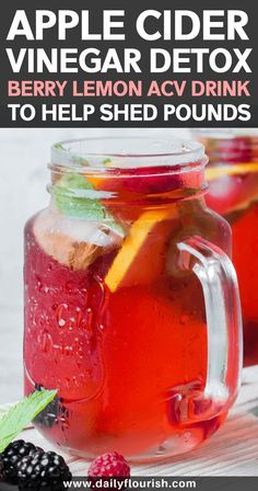 Healthy apple cider vinegar detox drink recipe to lose weight naturally. Best ACV body cleanse for maximum fat burning effects! Drink every morning for best results. Featured on Dr Oz! Vinegar Detox Drink, Apple Cider Vinegar Detox, Berry, Natural Cold Remedies, Herbal Remedies, Holistic Remedies, Pina Colada, Bebidas Low Carb, Fat Burning Detox Drinks