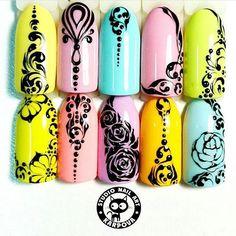 Маникюр. Дизайн ногтей. Art Simple Nail Nail Manicure, Diy Nails, Cute Nails, Pretty Nails, Nail Art Arabesque, Swirl Nail Art, Nagellack Design, Mandala Nails, Nails 2017