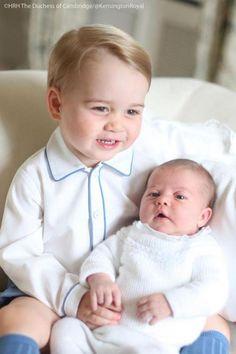 Prince George e Princess Charlotte (Foto: Reprodução / Twitter - HRH The Duchess of Cambrigde 6 June 2015
