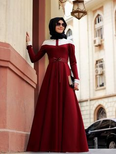 Love the fall. the flow of fabric Muslim Women Fashion, Arab Fashion, Islamic Fashion, Modest Outfits, Modest Fashion, Fashion Dresses, Muslim Dress, Hijab Dress, Wedding Hijab Styles