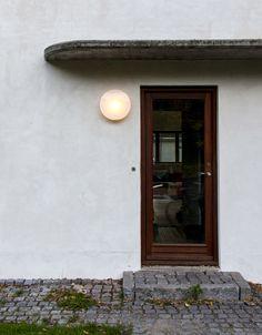 AJ Eklipta. Arne Jacobsen. Louis Poulsen.