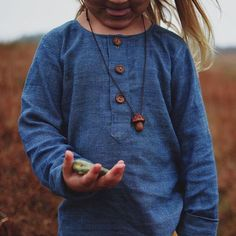 Handwoven tunic made of non-violence eri silk and organic cotton (GOTS) dyed with indigo in the Himalayas. By Errandi Kids https://www.instagram.com/errandi_kids/