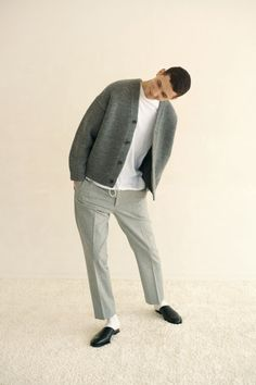 love this shot 80s Fashion Men, Look Fashion, Autumn Fashion, Fashion Outfits, Streetwear, Mens Fall, Men's Collection, Stylish Men, Minimalist Fashion