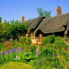 Anne Hathaway's cottage in Stratford upon Avon, England.