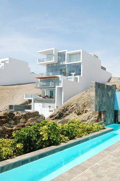 Alvarez Beach House by Longhi Architects   DesignRulz.com