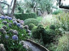 ulla molins garden English Country Decor, English Country Gardens, Landscape Design, Garden Design, Garden Gadgets, Cozy Living, Garden Inspiration, Outdoor Spaces, Nature