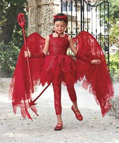 Cute And Creepy Halloween Costumes For Girls Easyday Halloween Mignon, Devil Halloween Costumes, Devil Costume, Cute Halloween Costumes, Halloween Dress, Scary Girl Costumes, Holloween Costumes For Kids, Diy Halloween Costumes