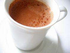 When the weather is cold this simple hot cocoa recipe will warm you. Check out the variations for your Ayurvedic dosha and make a mug perfect just for you. Hot Cocoa Recipe, Cocoa Recipes, Milk Recipes, Dairy Free Recipes, Raw Food Recipes, Nutella Hot Chocolate, Homemade Hot Chocolate, Hot Chocolate Recipes, Vegetarian Chocolate