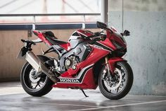 New Honda CBR1000RR Fireblade launched in India at INR 17.61 lakh
