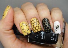 Notes on nails: Bees Fingernail Designs, Nail Art Designs, Bumble Bee Nails, Gel Nails, Nail Polish, Creative Nails, Cool Nail Art, Nail Trends, Nail Inspo