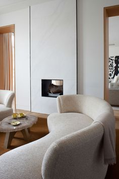 Home Decoration Living Room New Living Room, Home And Living, Living Room Decor, Resurface Countertops, Pierre Yovanovitch, Industrial Office Chairs, Office Waiting Room Chairs, Interior Minimalista, Minimalist Interior