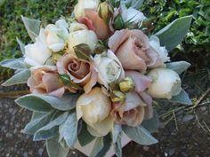 Posy of david austen, field roses