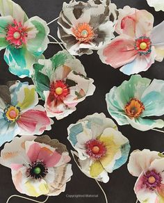 Paper to Petal: 75 Whimsical Paper Flowers to Craft by Hand: Rebecca Thuss, Patrick Farrell, Martha Stewart: 9780385345057: AmazonSmile: Books
