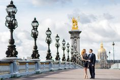 Beautiful couple walking and looking at each other on the Alexander 3 bridge in Paris at sunrise. Paris Images, Paris Pictures, Paris Photos, Paris Elopement, Paris Wedding, Paris Engagement Photos, European Honeymoons, Wedding Anniversary Photos, Photoshoot Themes