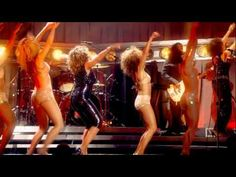 Tina Turner Steamy Windows Live 2009 - Miss Turner 70 yrs old.. I love this!! What an entrance.. look at her working it.. and the gay guys in the audience are losing their heads haha great stuff!! Whenever I'm down I watch this.. it just kicks me back up :)