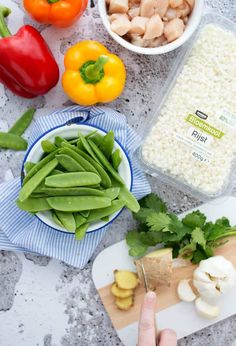 Rode curry met kip en bloemkoolrijst | Eef kookt Zo Celery, Vegetables, Lasagna, Veggies, Vegetable Recipes