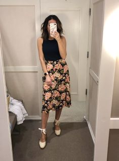 office outfits for ladies Summer Work Outfits, Office Outfits, Spring Outfits, Office Attire, Skirt Outfits, Cute Outfits, Sweater Outfits, Outfit Primavera, Happy Hour Outfit