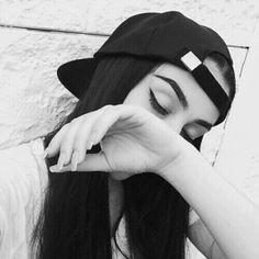 girl, black, and black and white image Tumblr Selfies, Selfies Poses, Tumblr Photography, Girl Photography Poses, Picture Poses, Photo Poses, Style Tumblr, Goals Tumblr, Image Tumblr