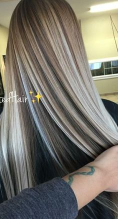 Blond Ombre, Brown Hair With Blonde Highlights, Blonde Hair Looks, Hair Color Highlights, Brunette Hair, Ash Blonde, Gorgeous Hair Color, Hair Color And Cut, Hair Dye Colors