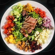 Damn delicious! #healthydinner #proteindinner #lowcalorie #highfiber #salad #proteinsalad #healtheebelly #healtheebellyrecipes