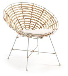 Laat je verassen door de tellkar fauteuil van het merk kave. deze fauteuil heeft een metalen frame en poten ...