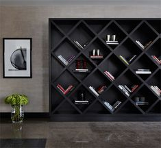 Nate Berkus shared his Kitchen Ideas to help you decorate and organize one of the most important places at your home. Home Library Design, Interior Design Studio, House Design, Nate Berkus, Kelly Hoppen Interiors, Bookshelf Design, Simple Bookshelf, Bookcase Wall, Bookshelves
