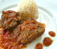 braised veal with red sauce: too good to be taken for granted Greek Recipes, Meat Recipes, Chicken Recipes, Cooking Recipes, Recipies, Desert Recipes, Yummy Recipes, Eat Greek, Greek Cooking