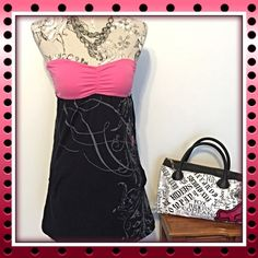 ⚡️SALE⚡️FOX Racing Sweetheart Mini Dress w/Pockets FINAL REDUCTIONThis Fox Racing Co. Size xs, tube top/sweetheart neckline, flowy pink & black mini dress is adorably sexy and is perfect for spectating @ the track and it has pockets. The bottom has floral graffiti & the iconic fox head logo in pinkadding a flirty feminine touch to any riders closet. Fox Dresses Mini
