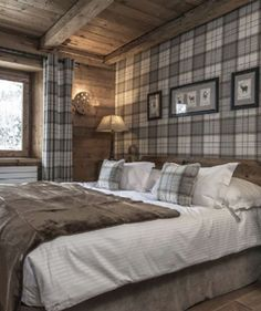 Luxury Hotel and Chalets in Megeve. Les Fermes de Marie is a luxury Hotel in Megeve, offering a Spa, pool, restaurants, bars. Plaid Bedroom, Home Bedroom, Master Bedroom, Bedroom Decor, Bedroom Wall, Chalet Interior, Interior Design, Classic Room, Scottish Decor