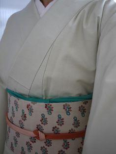 白緑の紬に更紗の名古屋帯