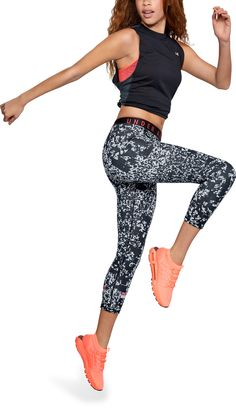 3266ac9888af2 These women s Favorites Print Cropped Pants from Under Armour feature soft