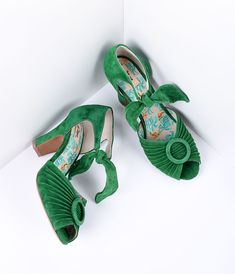 Vintage Style Shoes, Vintage Inspired Shoes 1940s Style Green Suede Peep Toe Heels Shoes $165.00 AT vintagedancer.com